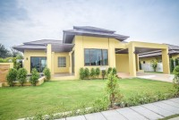 Updated Show House_Tropical Residence